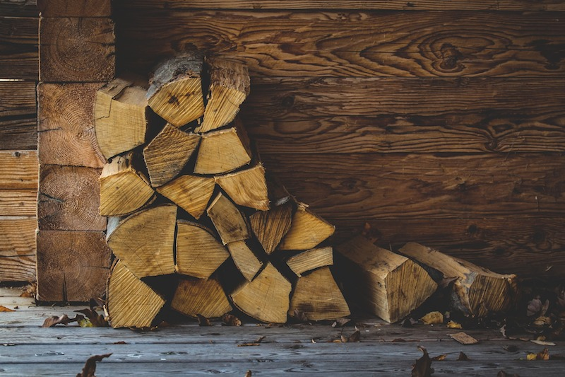 Wet Firewood vs. Seasoned Firewood